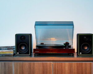 Mackie-CR8-XBT-Monitor-Studio-Main-Image-300x300