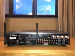 Parte trasera del amplificador Arcam