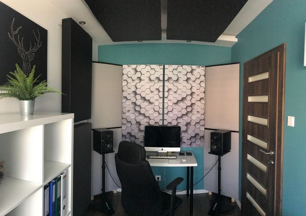 Perfect Acoustic sound absorbing panel in a tiny house studio (3)