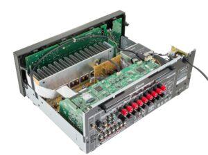 Receptor Onkyo TX-NR676 en el interior