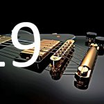 guitarrista con elementos foto acústicos